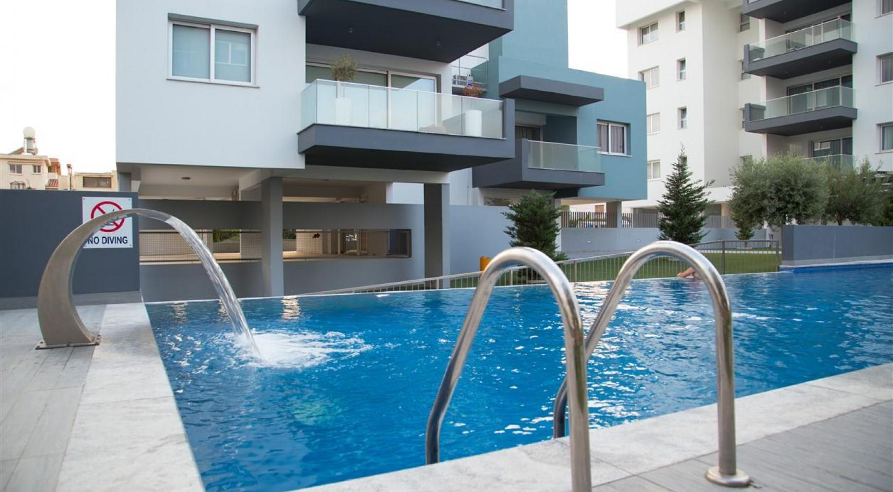 Luxury One Bedroom Apartment in a New Complex - 3