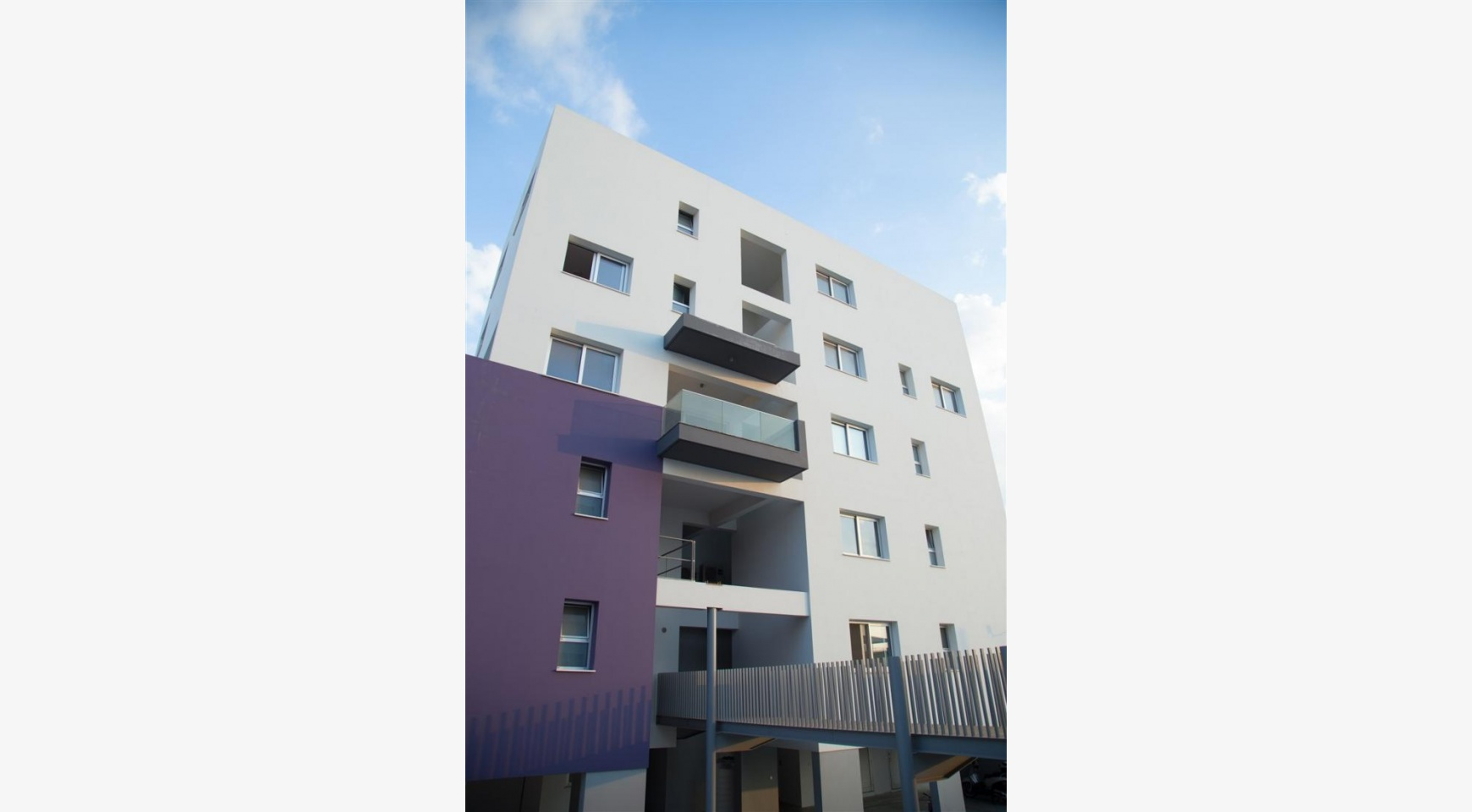 Luxury One Bedroom Apartment in a New Complex - 12