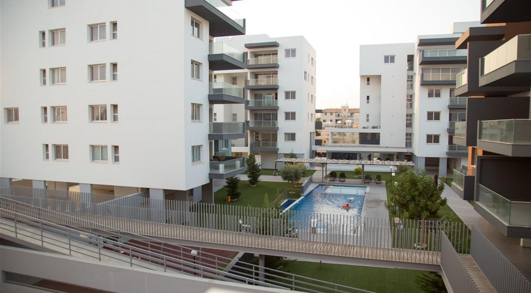Luxury One Bedroom Apartment in a New Complex - 32