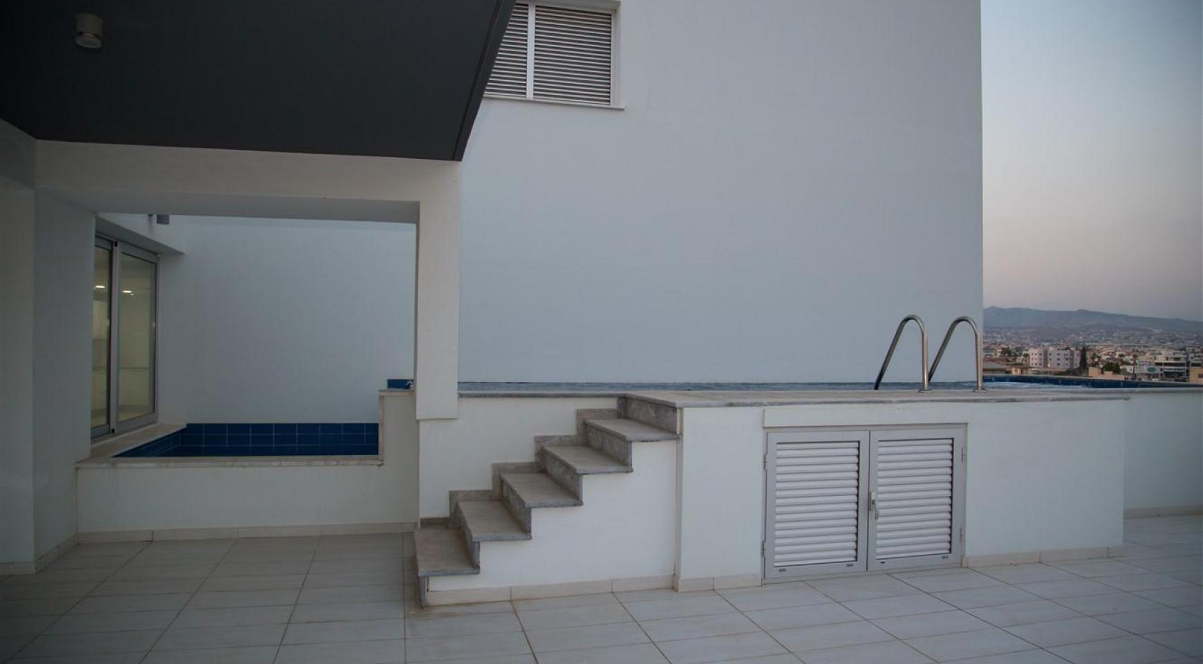 Elite 3 Bedroom Penthouse with private Swimming Pool on the Roof - 29