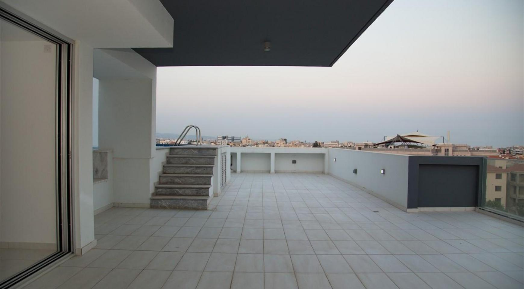 Elite 3 Bedroom Penthouse with private Swimming Pool on the Roof - 26
