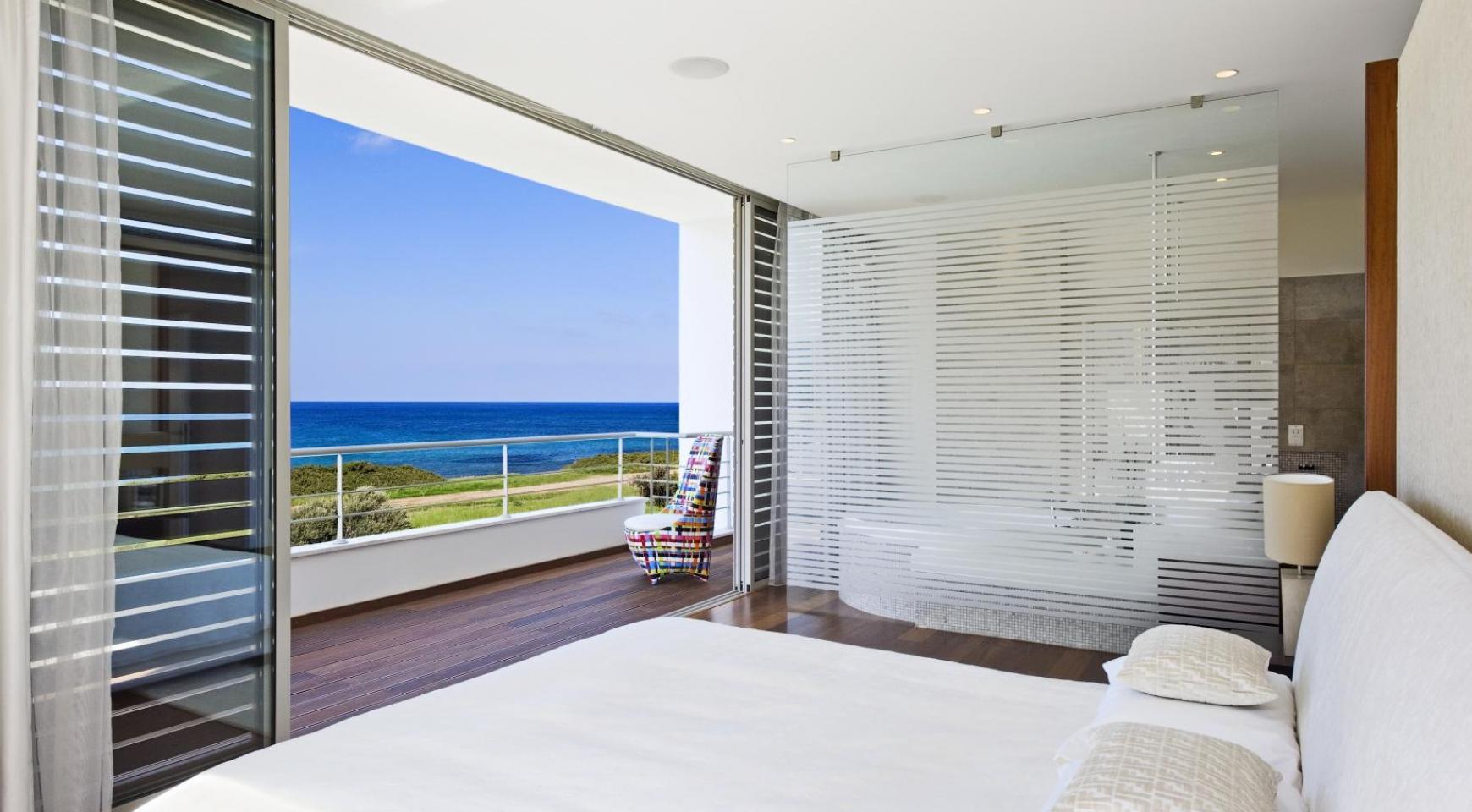 4 Bedroom Villa with Sea Views near Latsi - 9