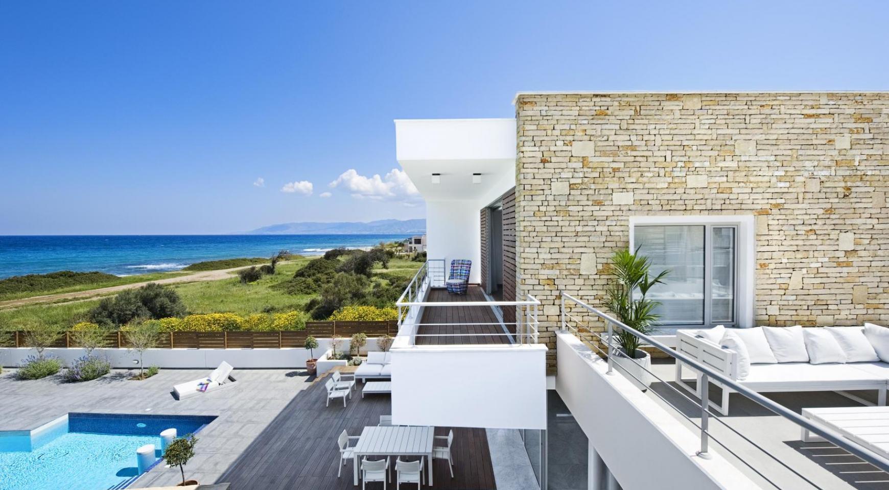 Exclusive 4 Bedroom Villa with Sea Views near Latsi - 17