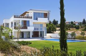 4 Bedroom Villa with Sea Views near Latsi - 29