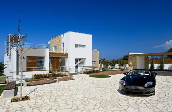 Exclusive 4 Bedroom Villa with Sea Views near Latsi