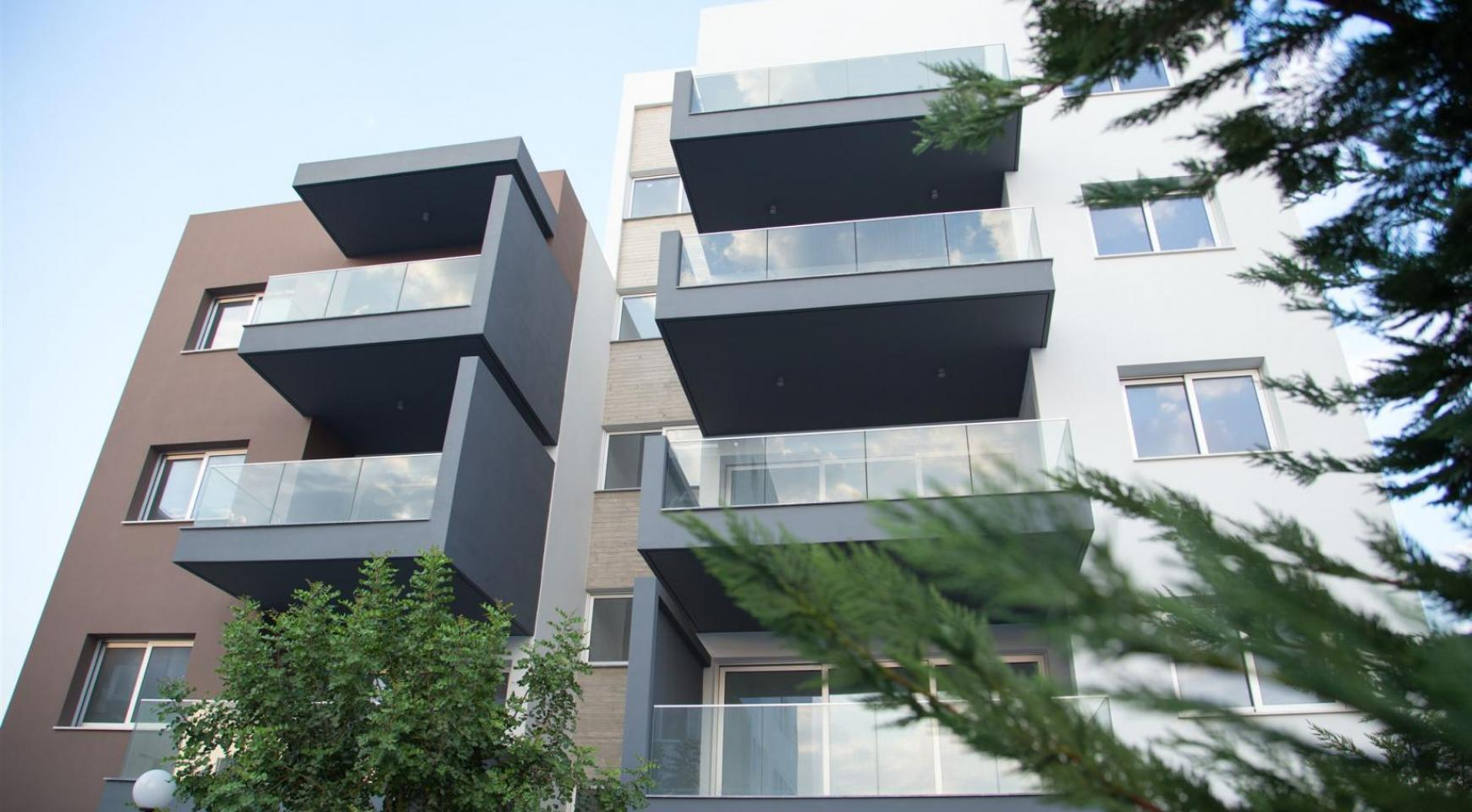 Luxury 2 Bedroom Top-Floor Apartment in a New Complex - 8