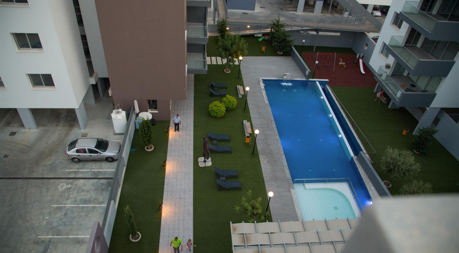 Luxury 2 Bedroom Top-Floor Apartment in a New Complex - 5