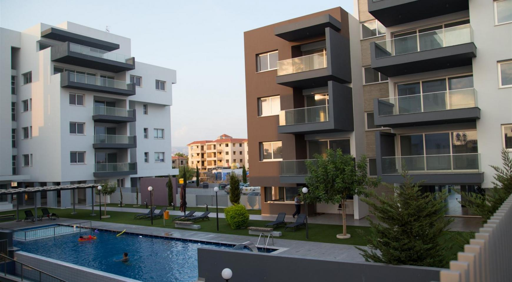 Luxury 2 Bedroom Top-Floor Apartment in a New Complex - 13