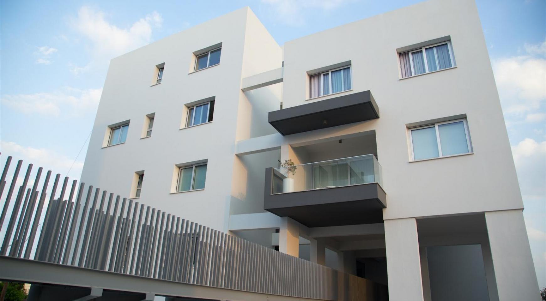 Luxury 2 Bedroom Top-Floor Apartment in a New Complex - 11