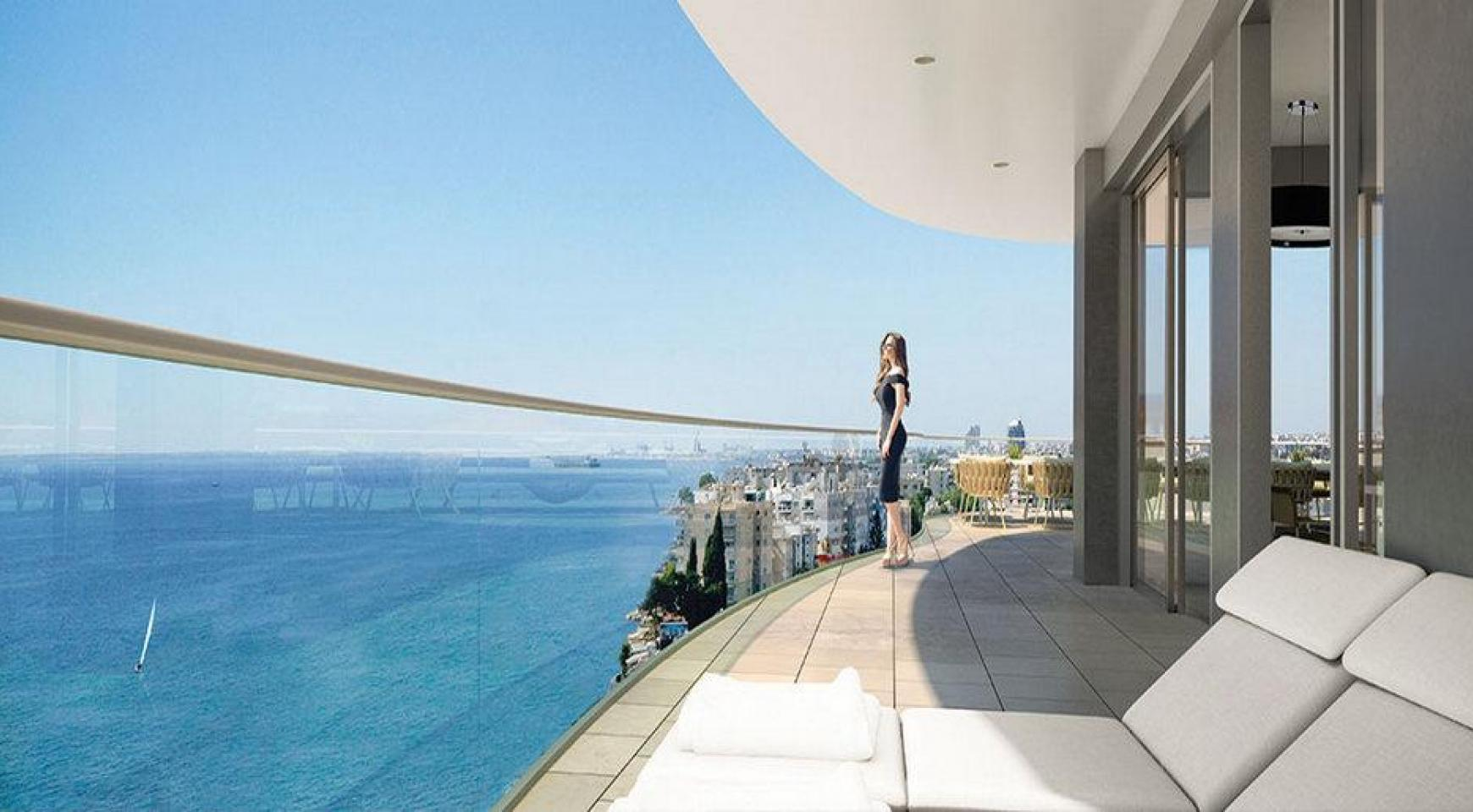 Luxurious 3 Bedroom Apartment in an Exclusive Seafront Project   - 2