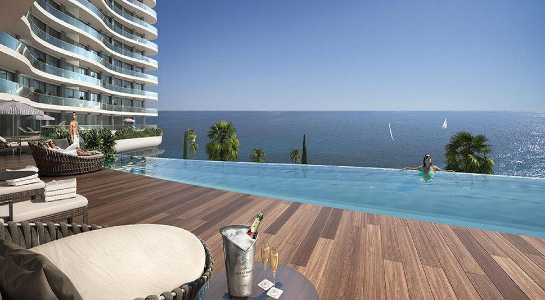 4 Bedroom Apartment in an Exclusive Seafront Project   - 4