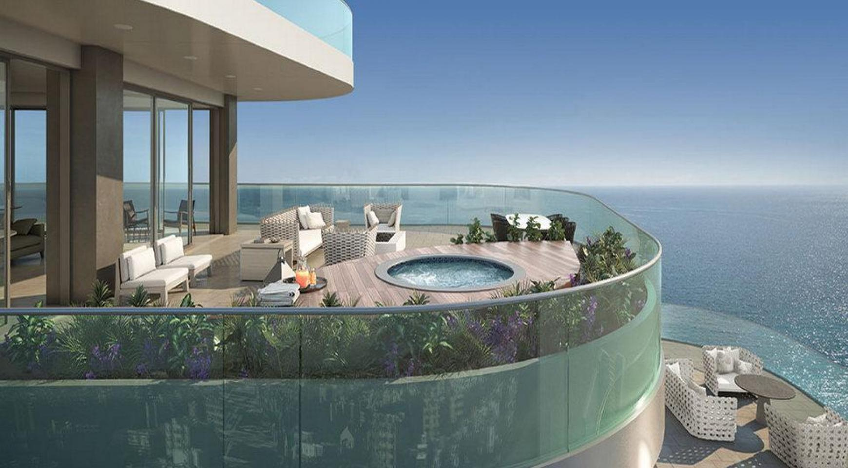 Luxurious 5 Bedroom Apartment in an Exclusive Seafront Project   - 3