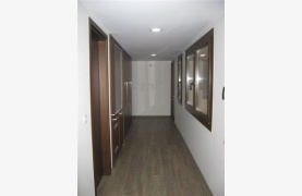 Spacious 4 Bedroom House in Nisou Area - 69