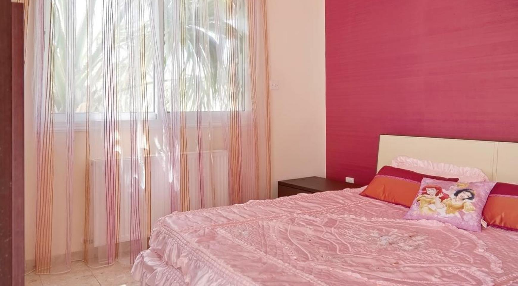 Beautiful 3 Bedroom Villa in a Prestigious Complex - 19