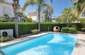 Beautiful 3 Bedroom Villa in a Prestigious Complex - 26
