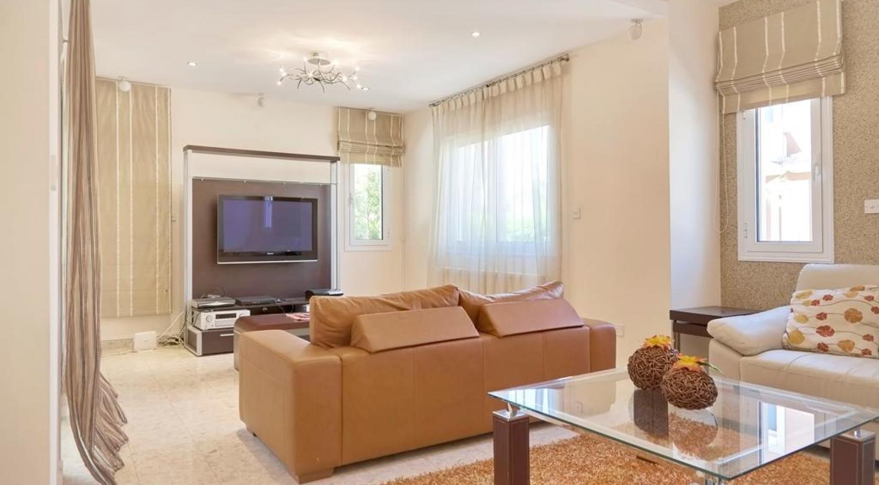 Beautiful 3 Bedroom Villa in a Prestigious Complex - 9