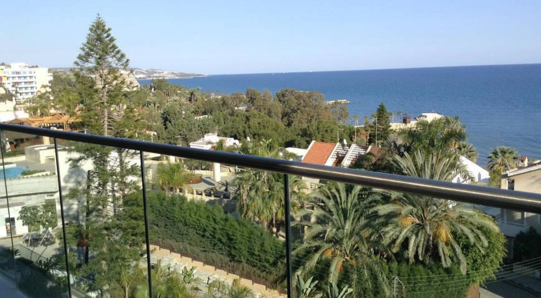 Luxury 2 Bedroom Apartment with Amazing Sea Views - 13