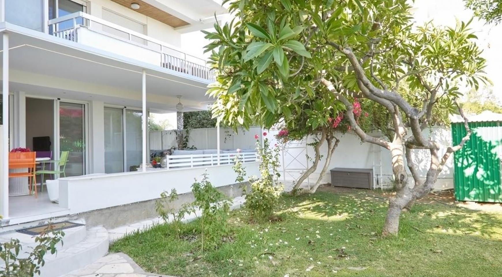 Luxury 2 Bedroom Apartment Berengaria on the Seafront - 25