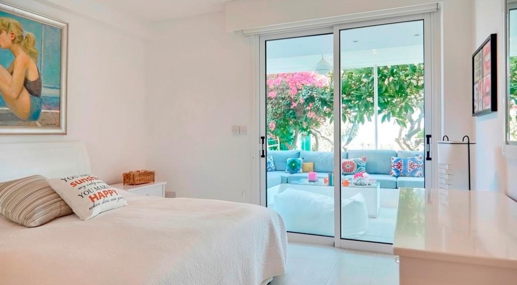 Luxury 2 Bedroom Apartment Berengaria on the Seafront - 14