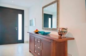 Luxury 2 Bedroom Apartment Berengaria on the Seafront - 38