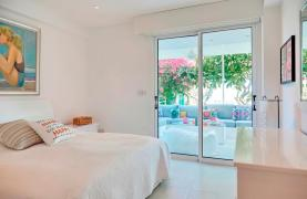 Luxury 2 Bedroom Apartment Berengaria on the Seafront - 40