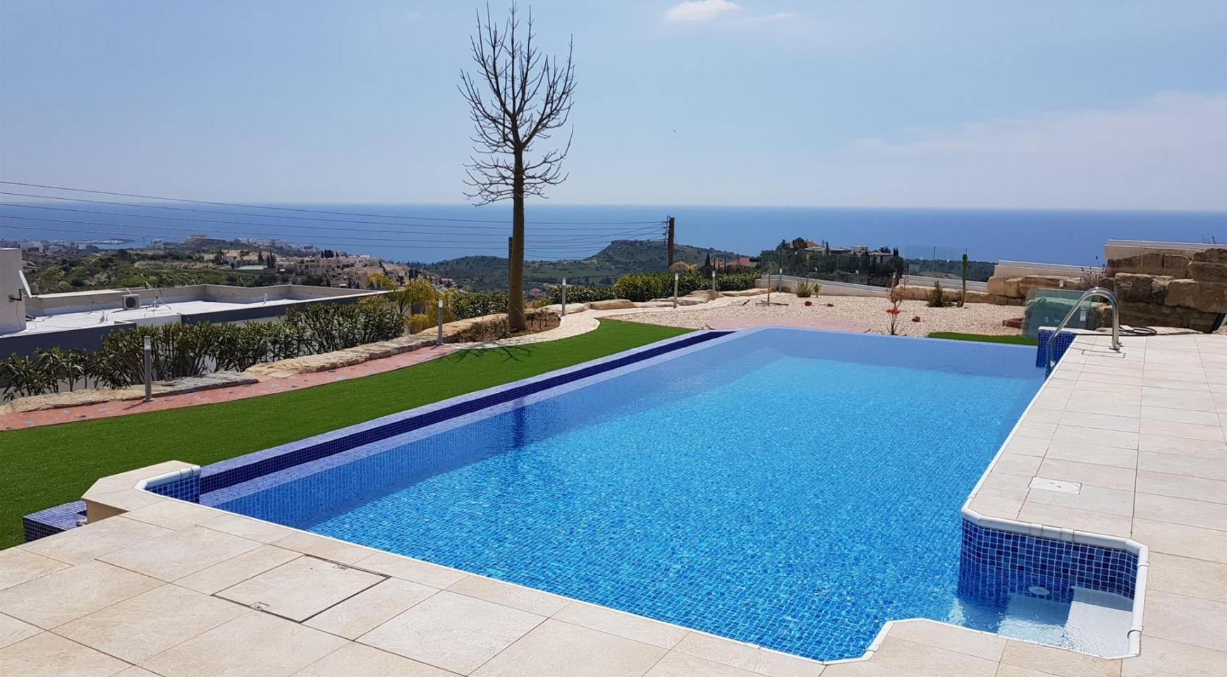 6 Bedroom Villa with Breathtaking Sea Views - 7
