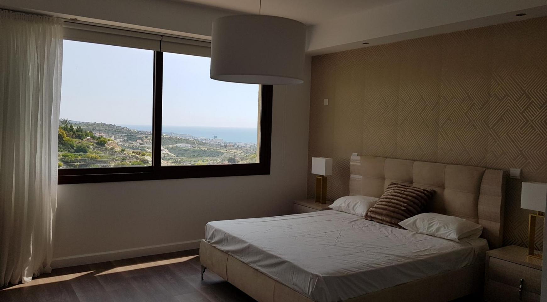 6 Bedroom Villa with Breathtaking Sea Views - 28