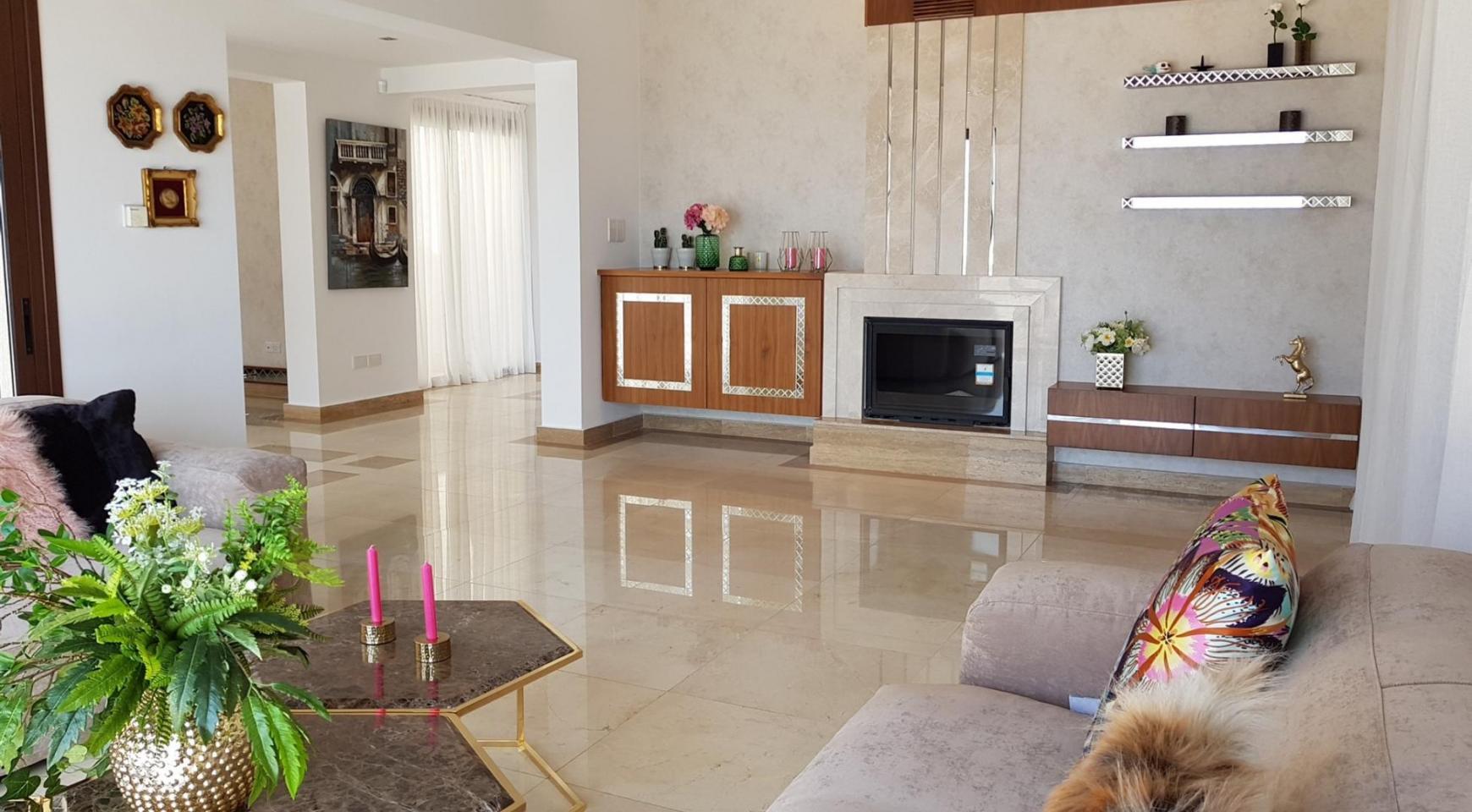 6 Bedroom Villa with Breathtaking Sea Views - 20