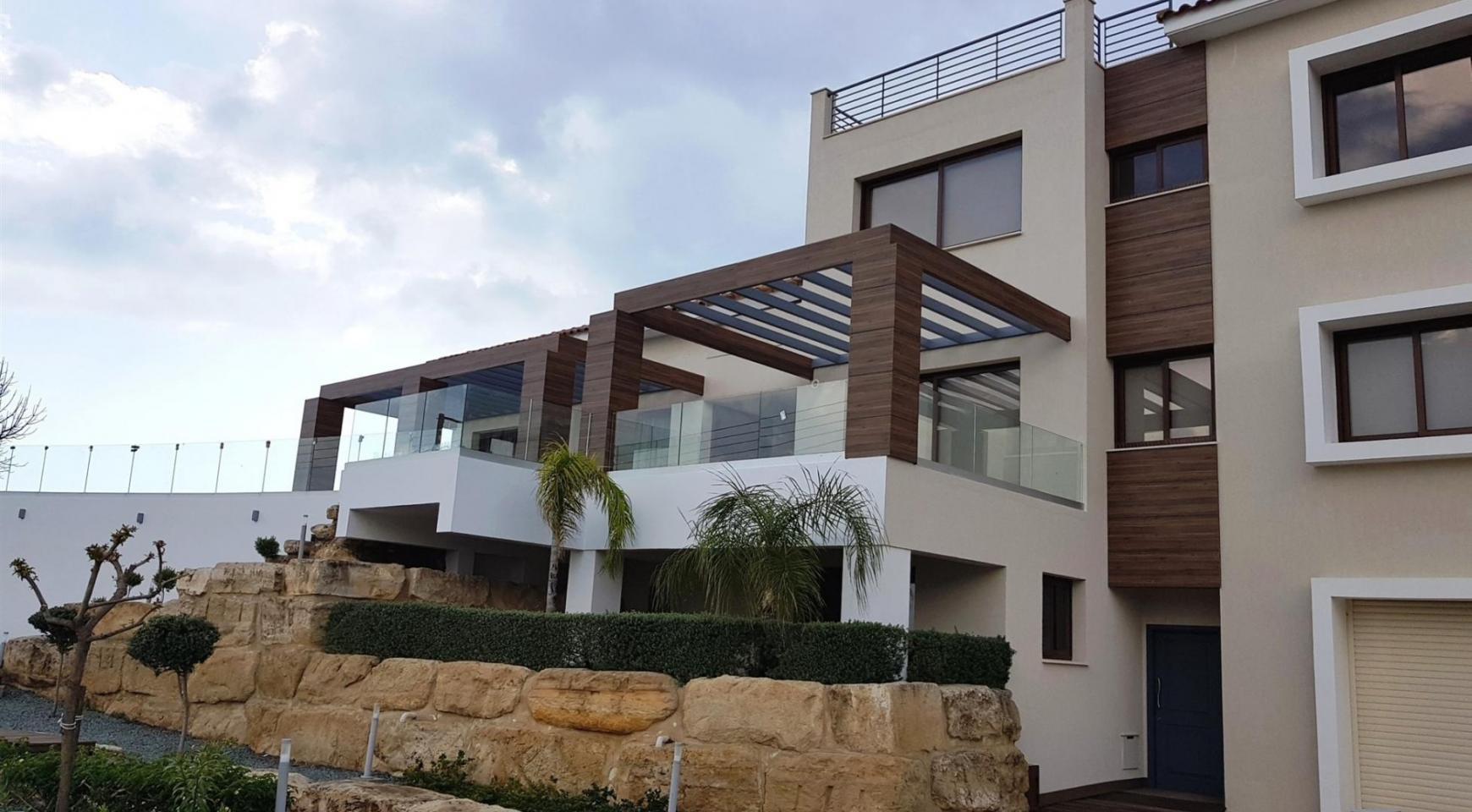 6 Bedroom Villa with Breathtaking Sea Views - 5
