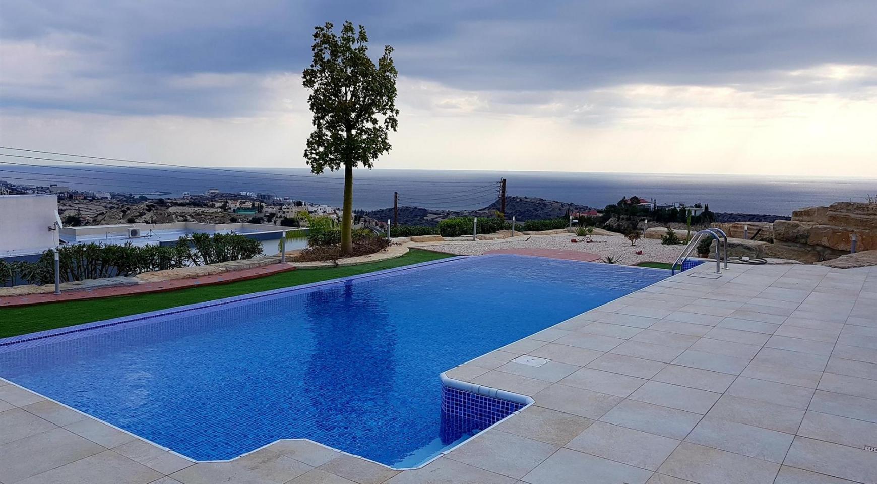 6 Bedroom Villa with Breathtaking Sea Views - 6
