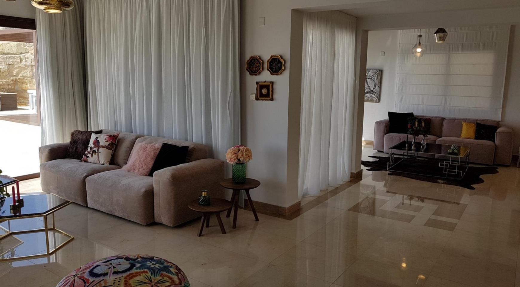 6 Bedroom Villa with Breathtaking Sea Views - 18