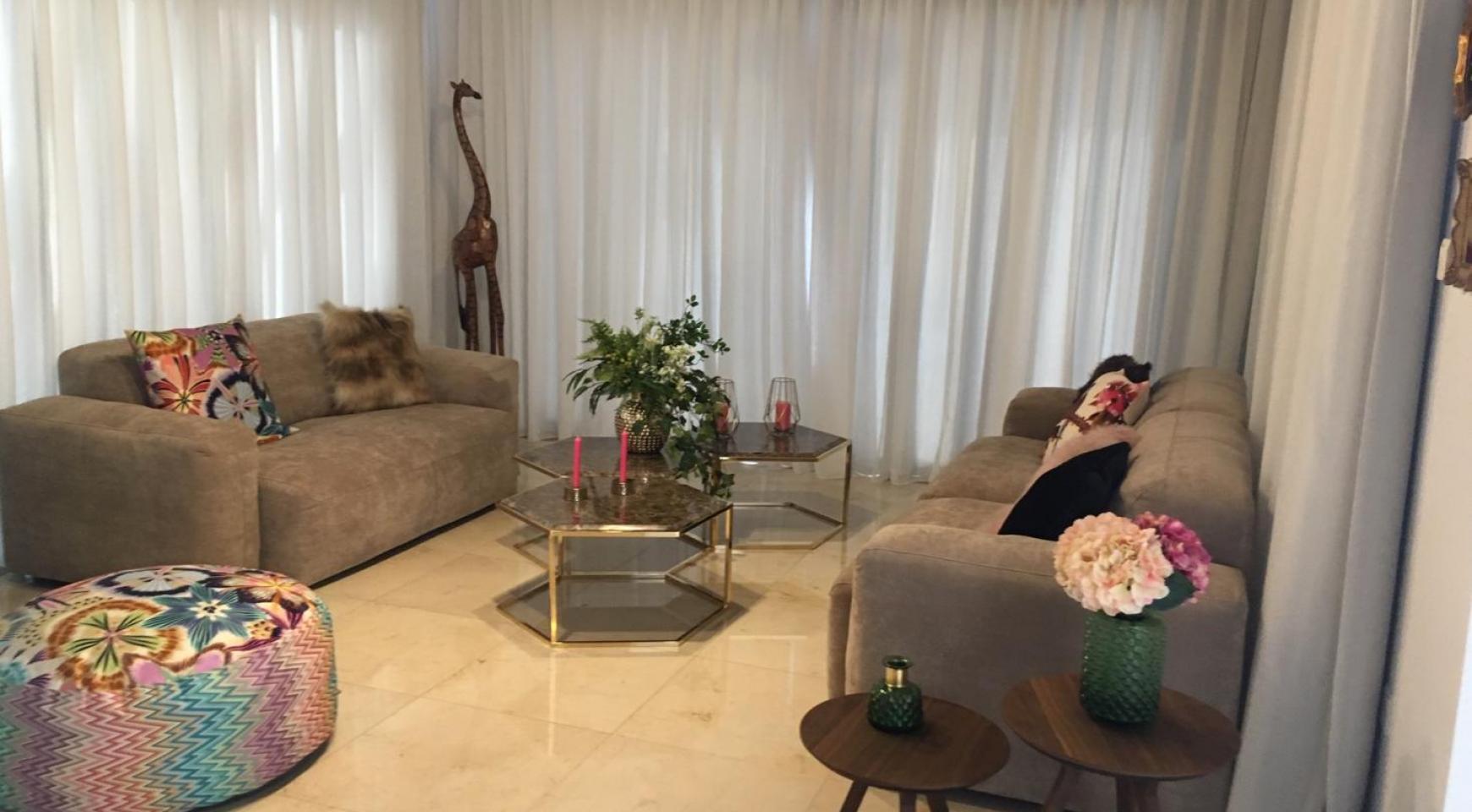 6 Bedroom Villa with Breathtaking Sea Views - 17
