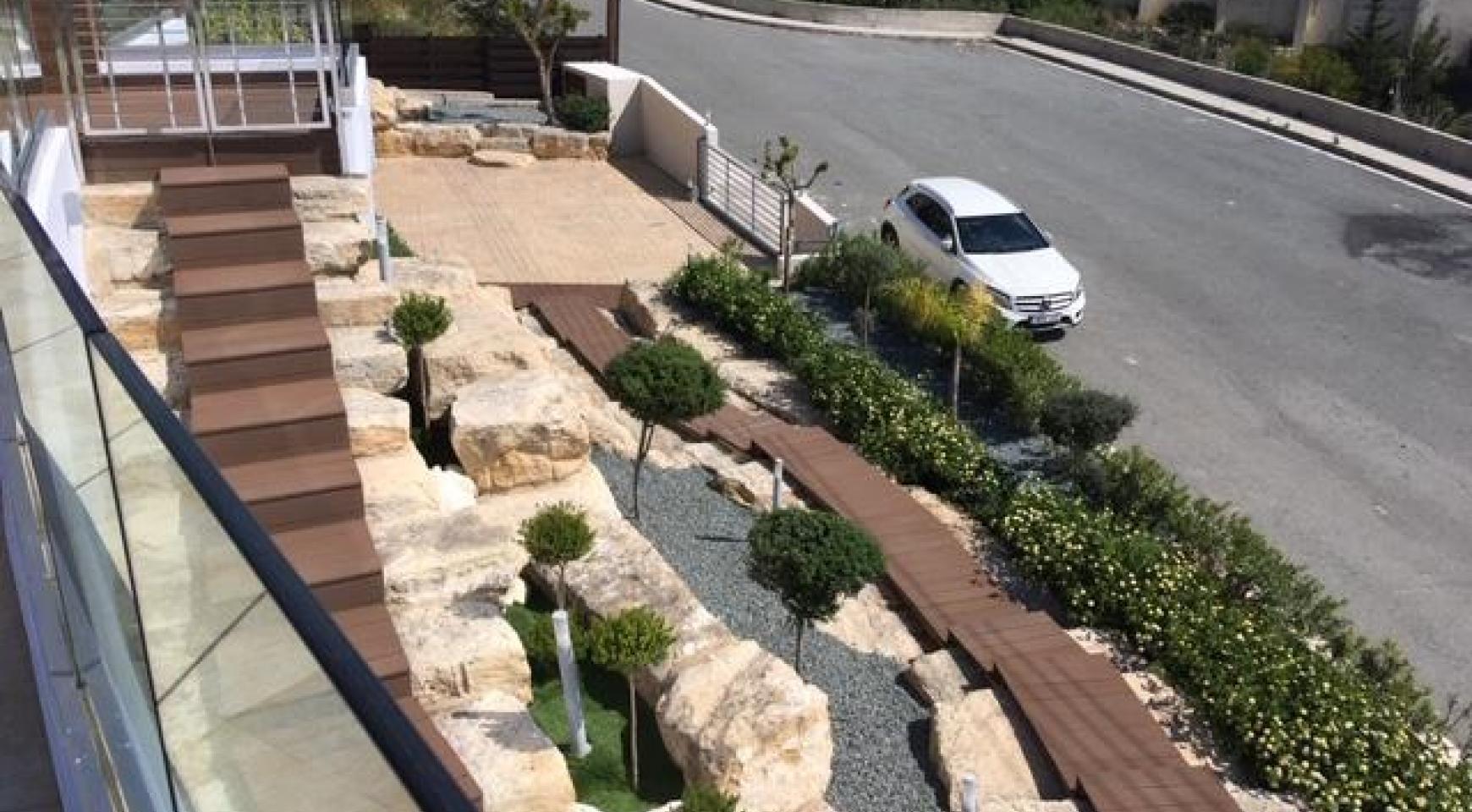 6 Bedroom Villa with Breathtaking Sea Views - 12