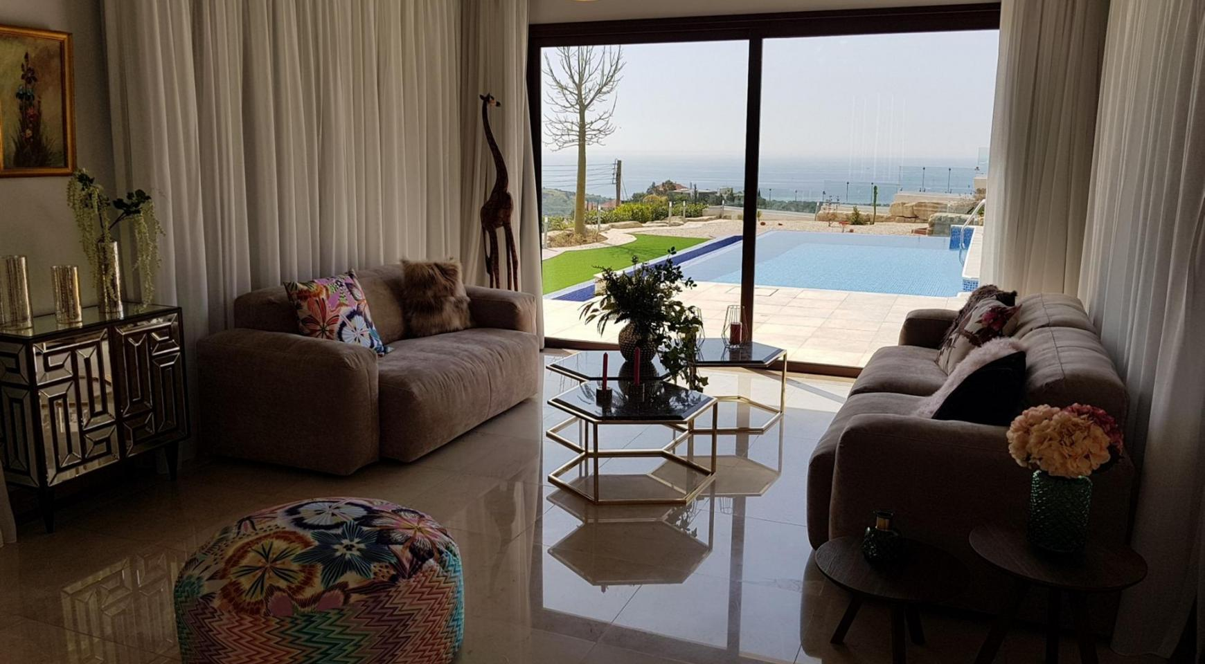 6 Bedroom Villa with Breathtaking Sea Views - 16