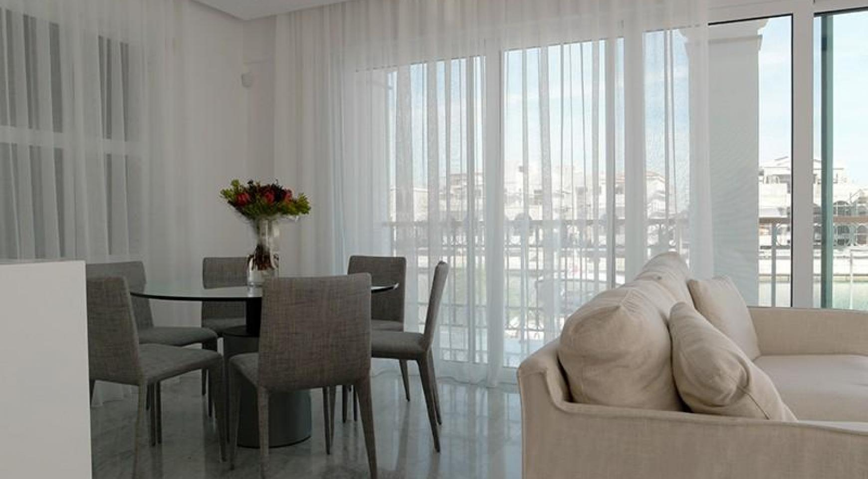 Luxurious 3 Bedroom Villa in an Exclusive development by the Sea - 11