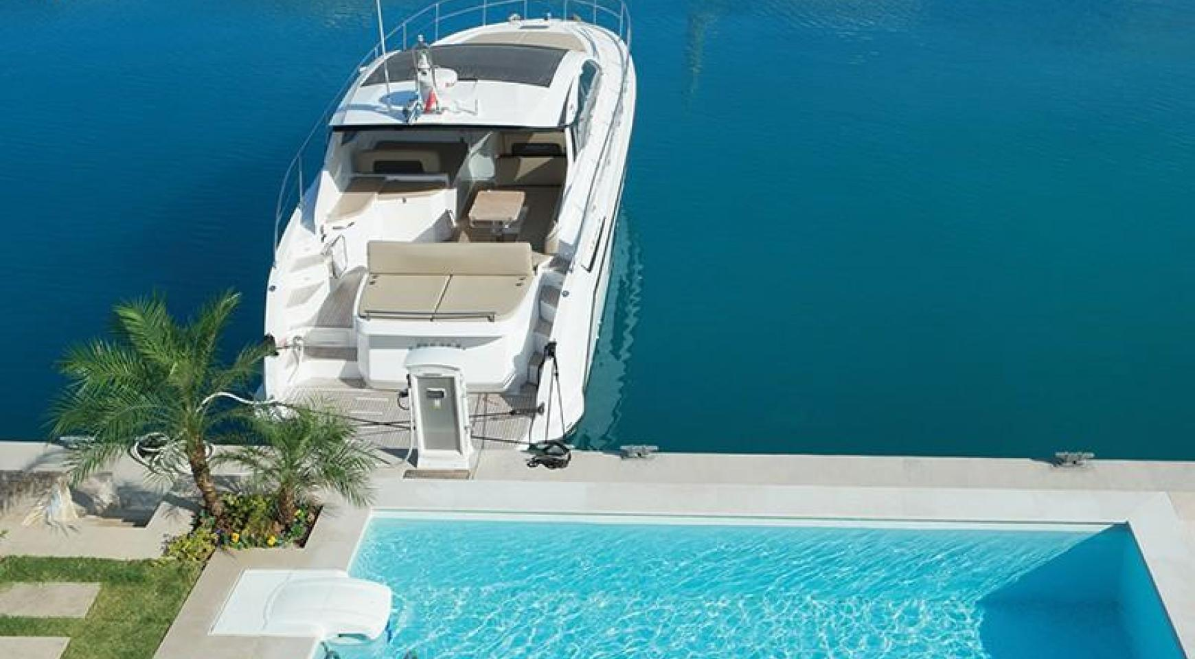 Luxurious 3 Bedroom Villa in an Exclusive development by the Sea - 3
