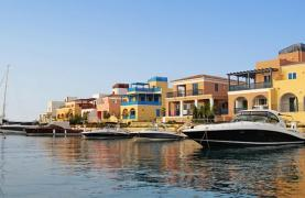 Luxurious 3 Bedroom Villa in an Exclusive development by the Sea - 39