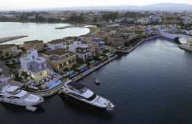 Luxurious 3 Bedroom Villa in an Exclusive development by the Sea - 29