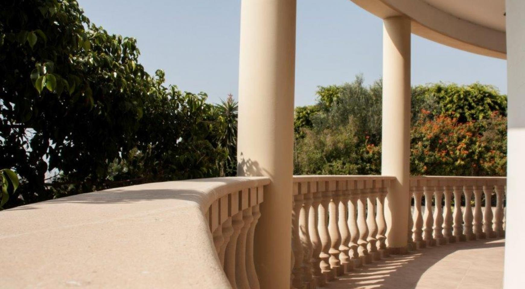 Classic Style 4 Bedroom Villa with Sea Views in Mesovounia Area - 18