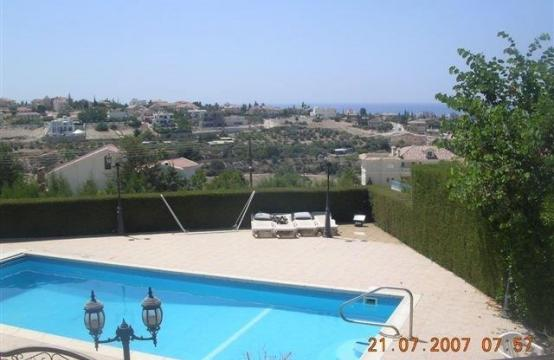 Classic Style 4 Bedroom Villa with Sea Views in Mesovounia Area
