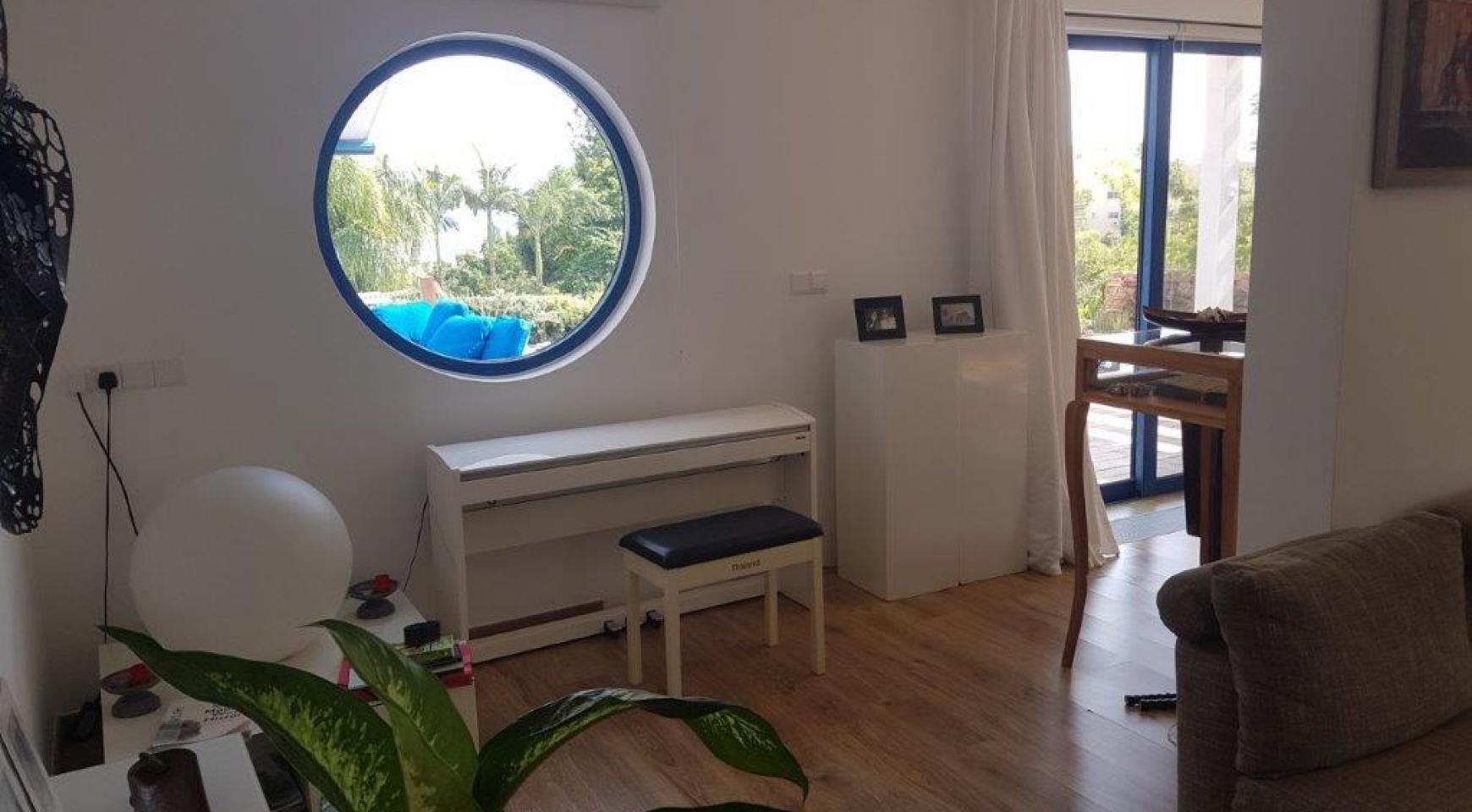 5 Bedroom Villa with Sea Views in Agios Tychonas Area - 16