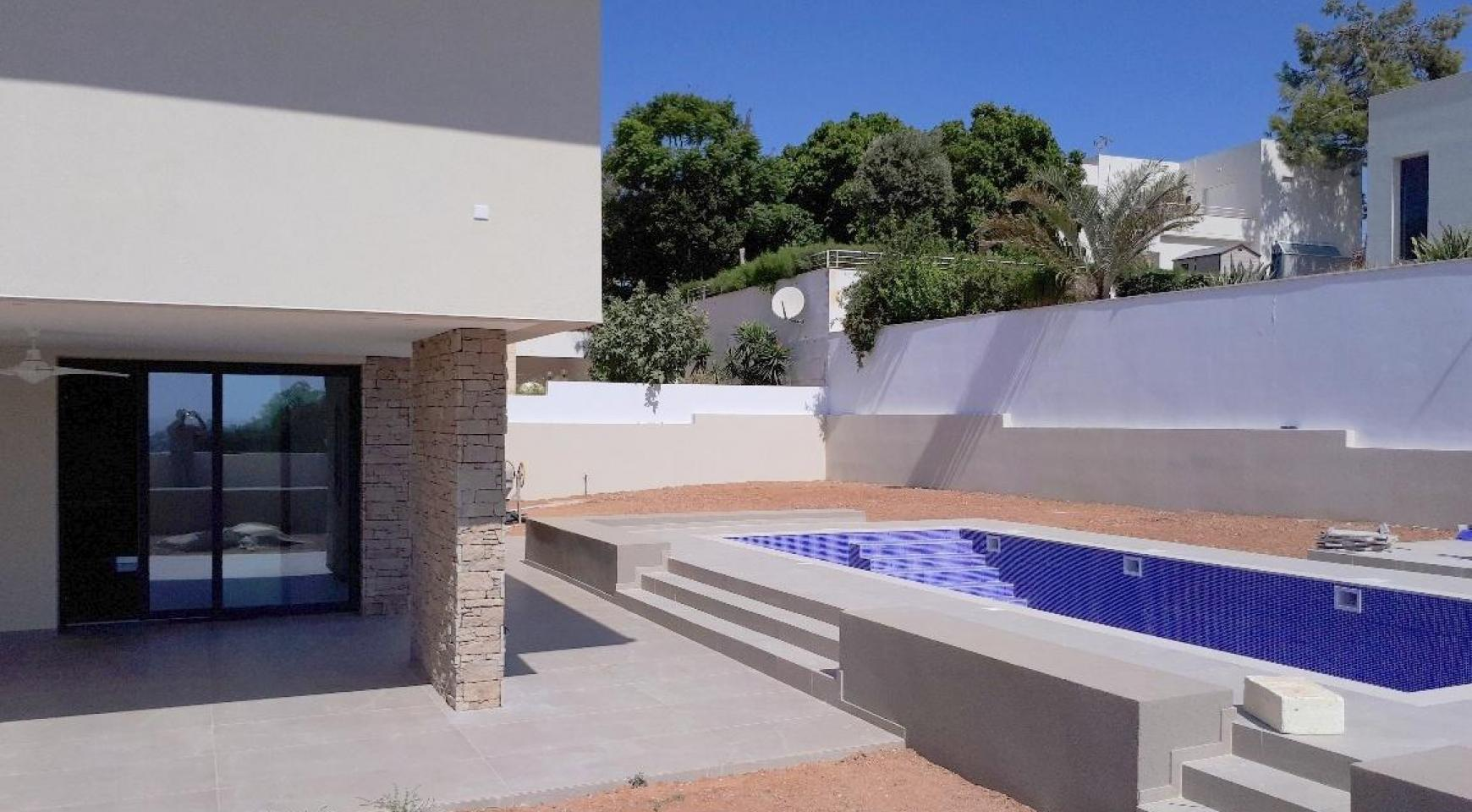 New Luxurious 4 Bedroom Villa With Sea Views in Messovounia - 6