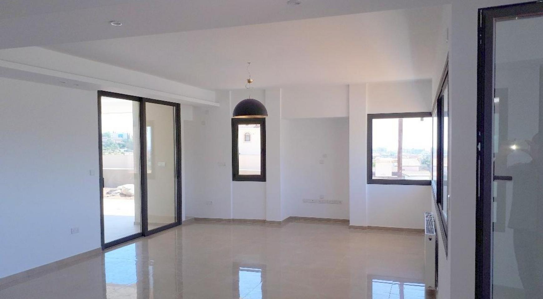 New Luxurious 4 Bedroom Villa With Sea Views in Messovounia - 8