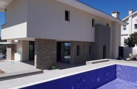 New Luxurious 4 Bedroom Villa With Sea Views in Messovounia - 20