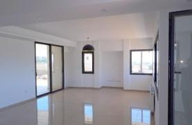 New Luxurious 4 Bedroom Villa With Sea Views in Messovounia - 23