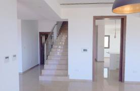 New Luxurious 4 Bedroom Villa With Sea Views in Messovounia - 22