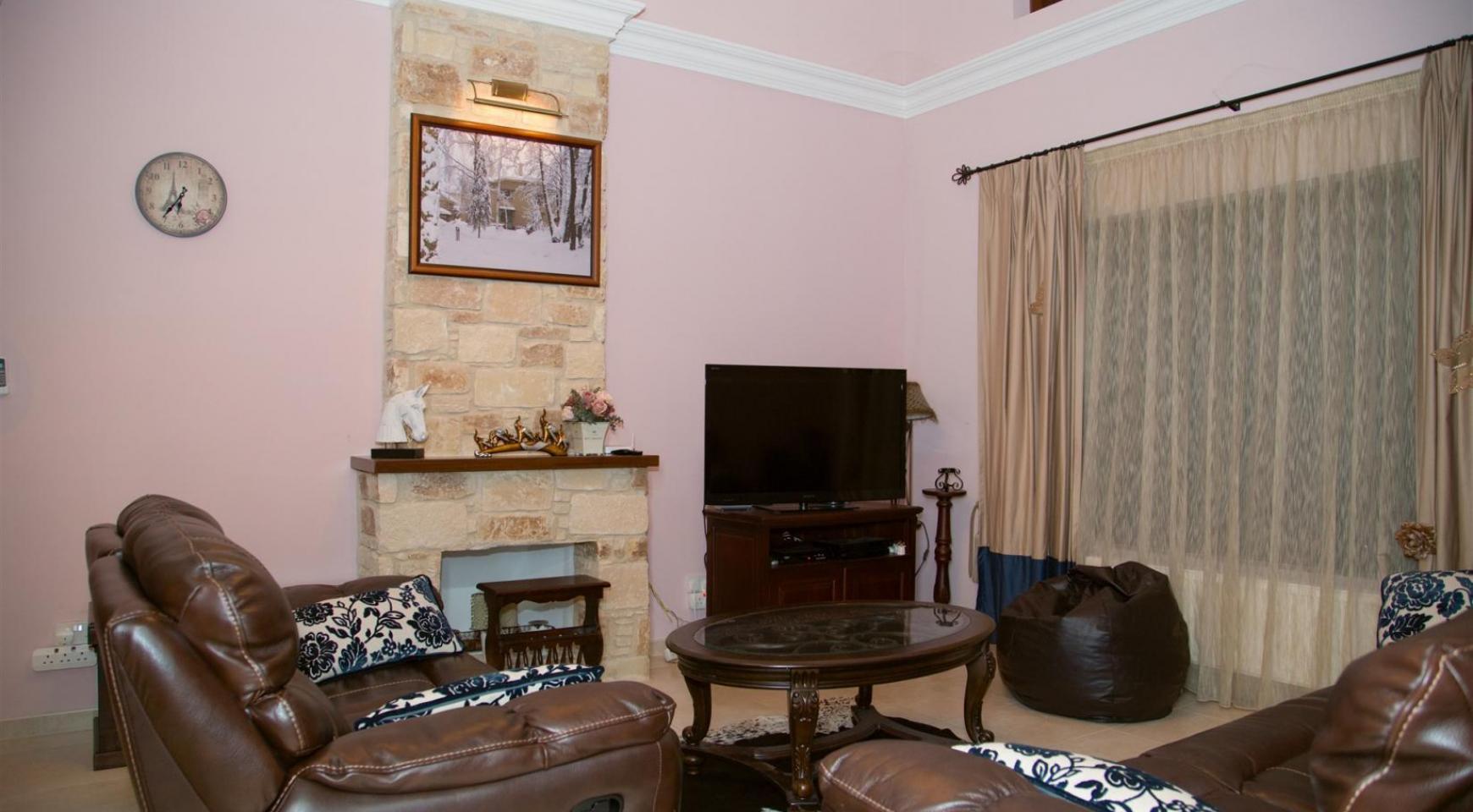 Nice 4 Bedroom Villa in Souni  - 5