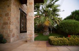 Nice 4 Bedroom Villa in Souni  - 24