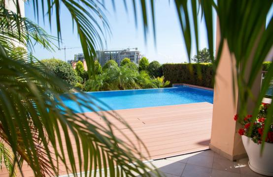 Luxurious 4 Bedroom Villa in the Complex near the Sea