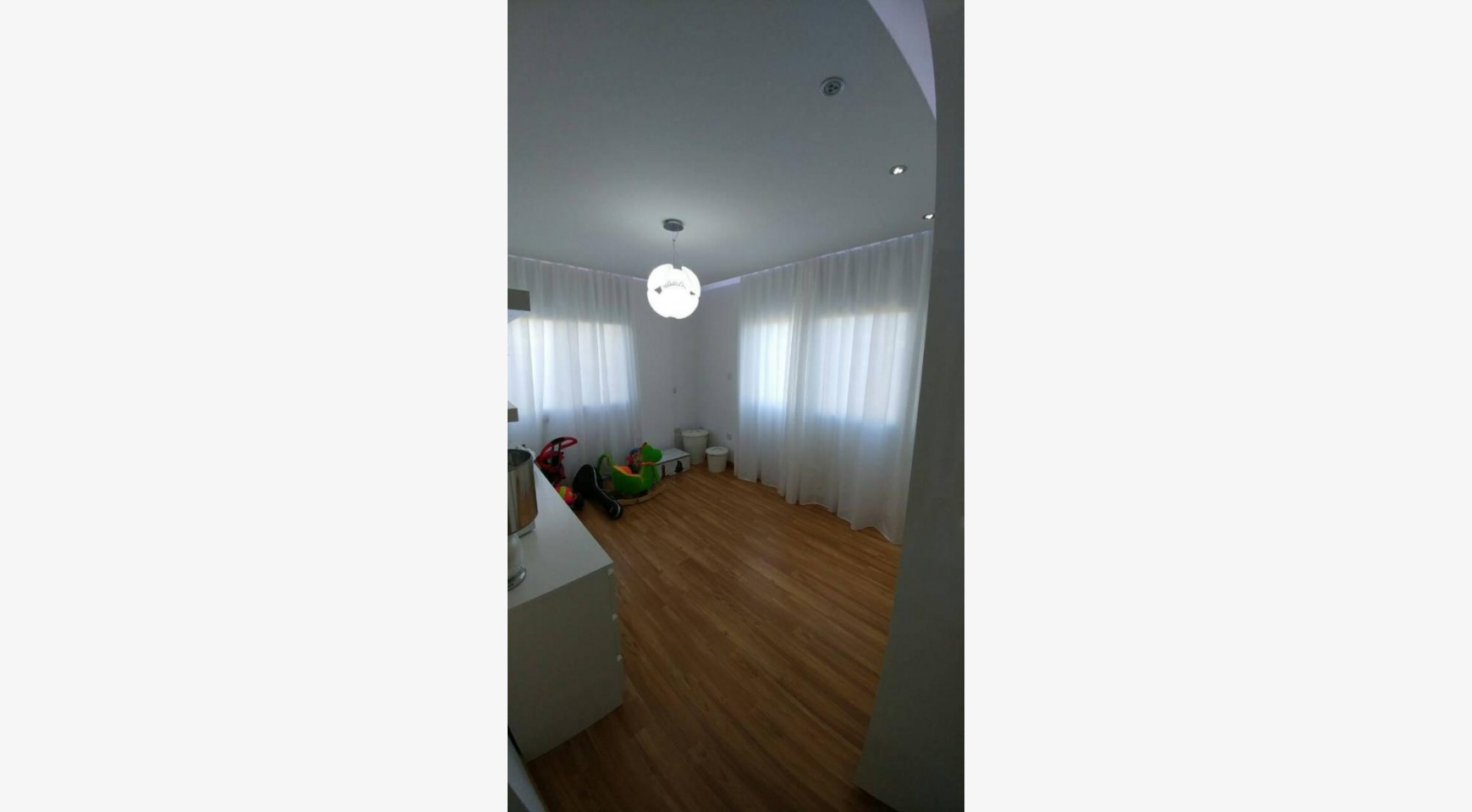 Modern 4 Bedroom semi-Detached House in Episkopi - 19